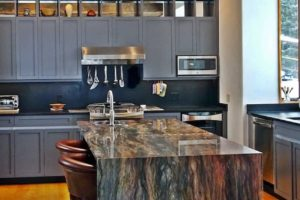 Coordinating Countertops and Cabinets